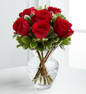 The FTD? True Beauty? Valentine Rose Bouquet