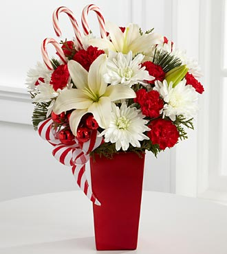 The FTD? Holiday Happiness? Bouquet XX-4355